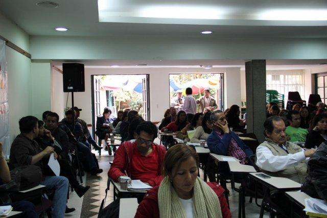 ADE denuncia con mitin masacre laboral de docentes provisionales en el Distrito